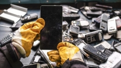 Discarded mobile phones in China difficult to recycle