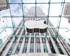 Apple facing legal battle in Russia