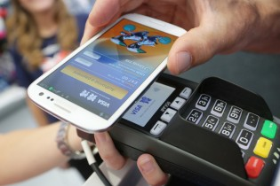 Here's how to pay for things with your smartphone